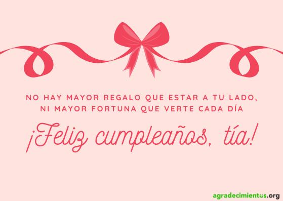 Felicitacion de cumpleaños a tu tía con dibujo de lazo arriba en tonos rosas